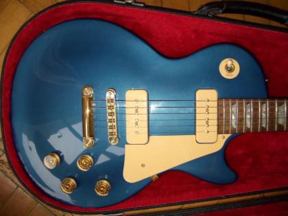 Les Paul Sapphire blue