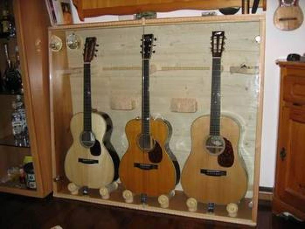 accordo: climatizzazione delle chitarre - Armadio Per Chitarre