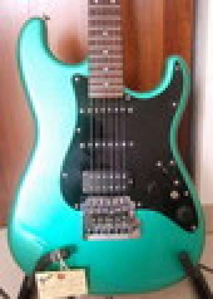 """""""Emerald"""" - 20 anni con la mia Stratocaster Contemporary"""