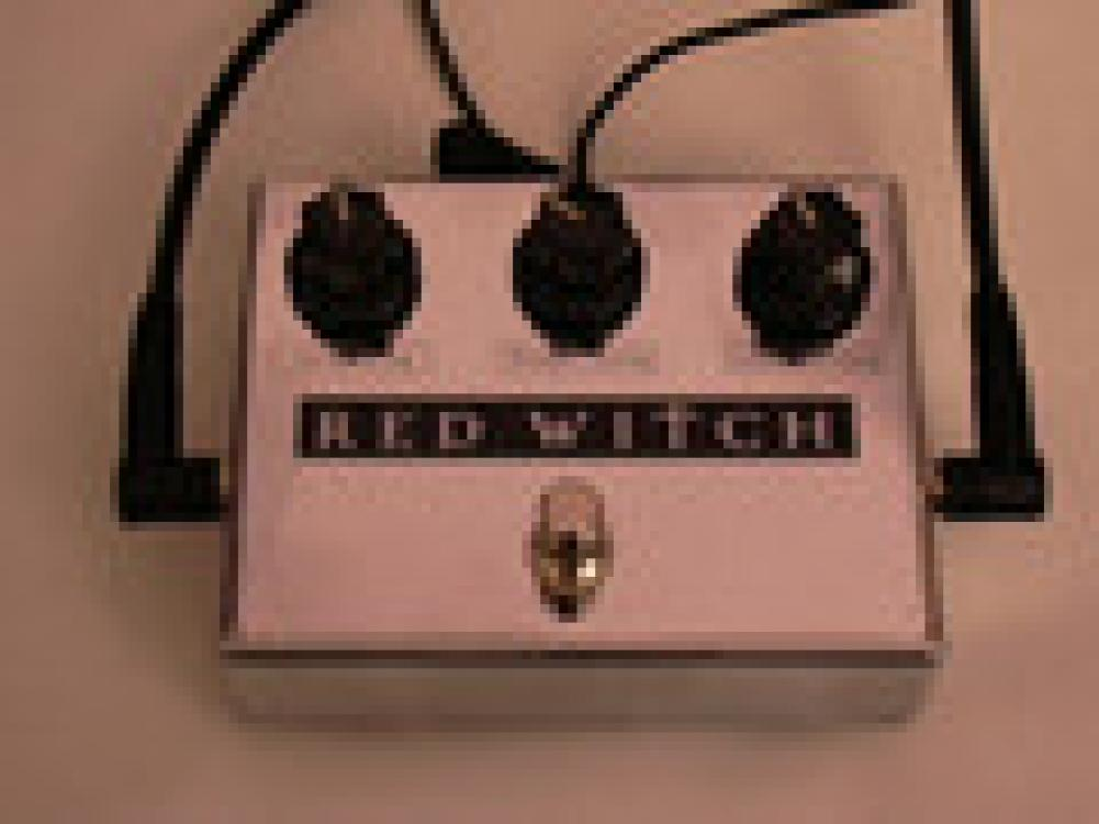 Red Witch Moon Phaser analog tremolo/phaser