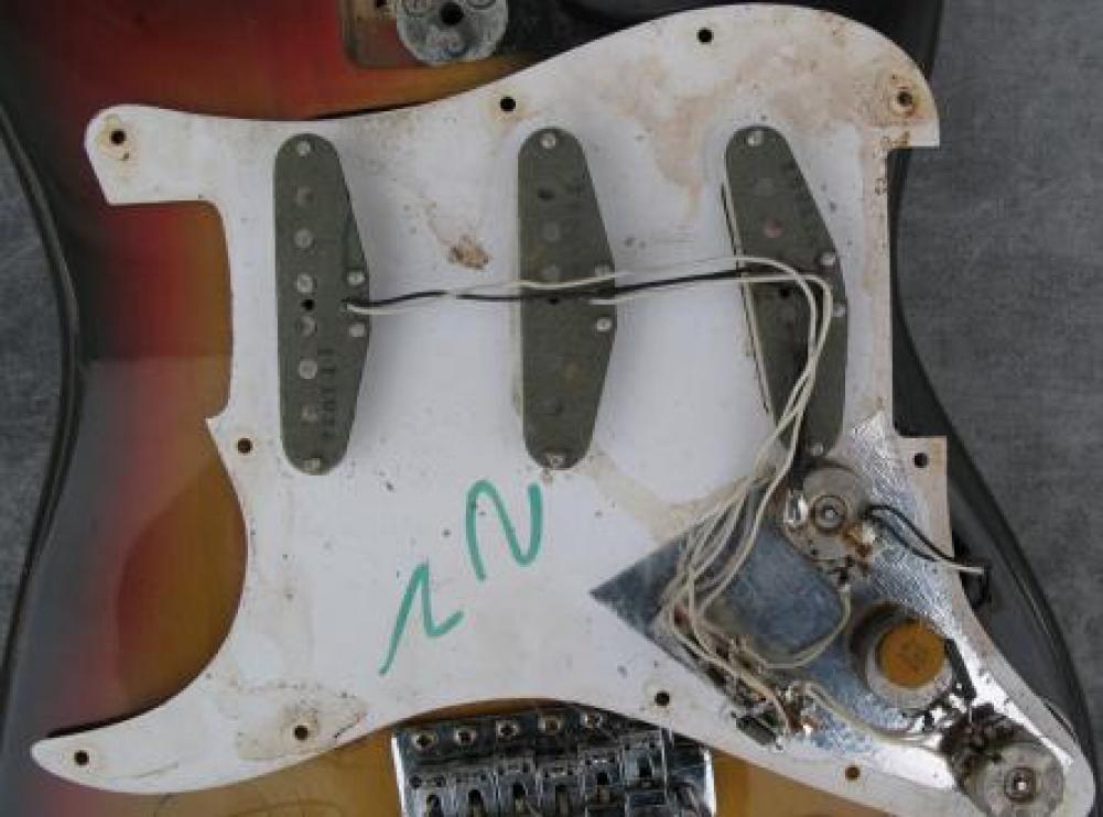 Schema Cablaggio Fender Stratocaster : Schema cablaggio stratocaster fare di una mosca