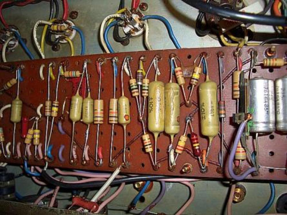 Schema Elettrico Amplificatore Valvolare Per Chitarra : Accordo sicurezza degli amplificatori a valvole