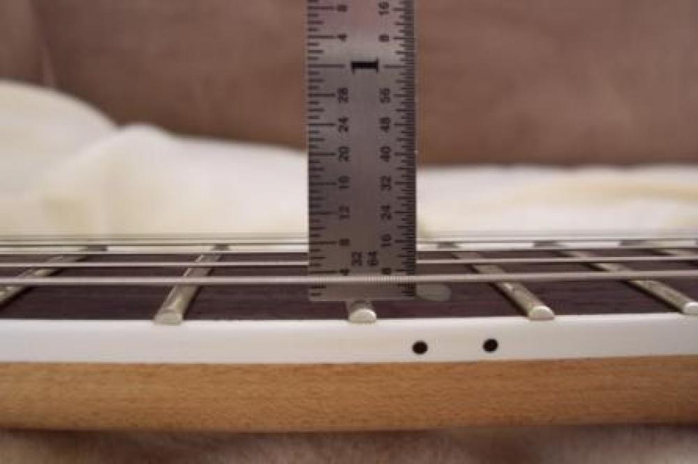 Altezza corde chitarra elettrica