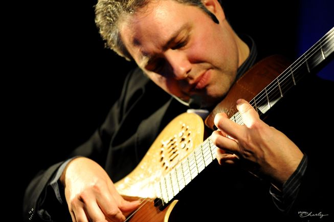 Francesco BUZZURRO in concerto al SIX BARS JAIL di Firenze 13.5.16