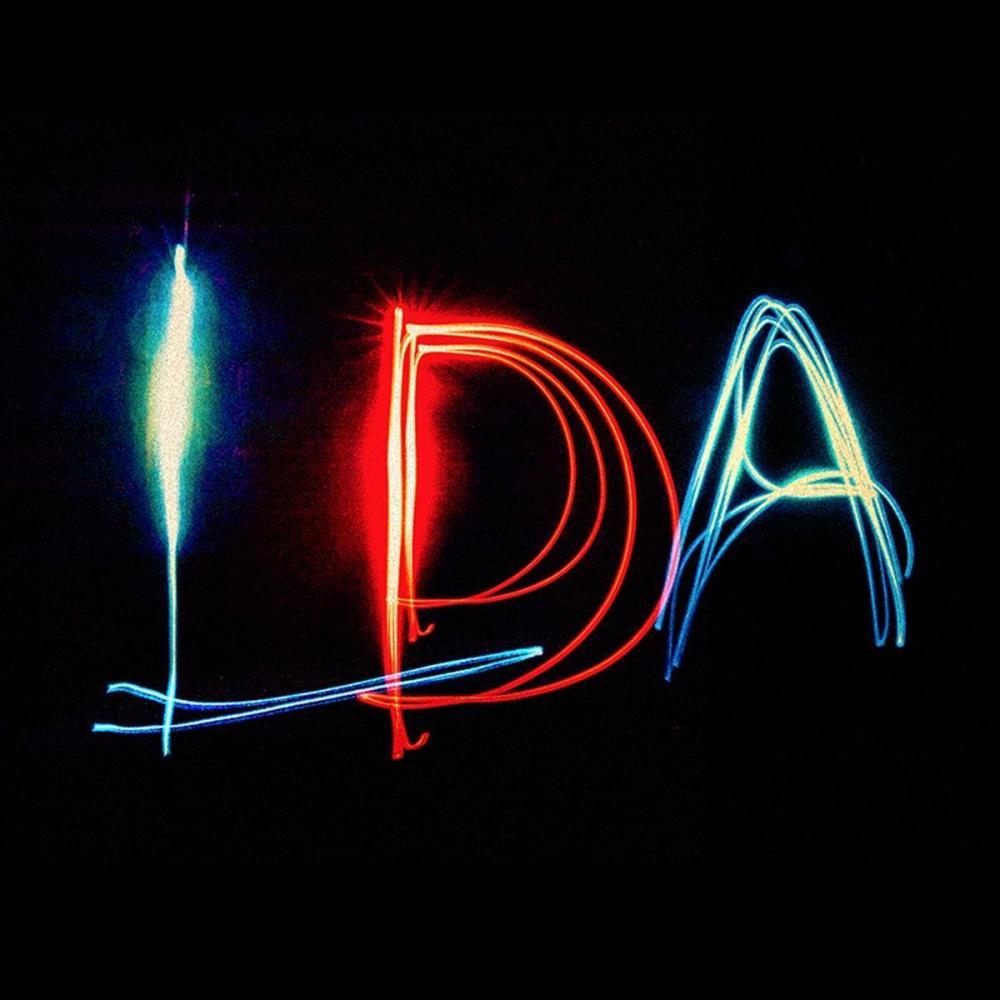 """Ligabue, nuovo singolo """"Luci d'America"""" e tour estivo negli stadi."""