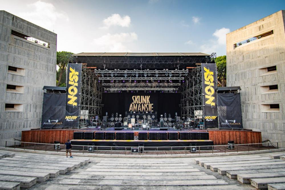Il palco degli Skunk Anansie all'Arena Flegrea