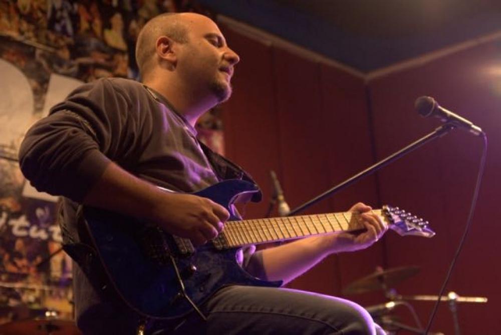 Chitarrista veloce: utopia o possibilità?