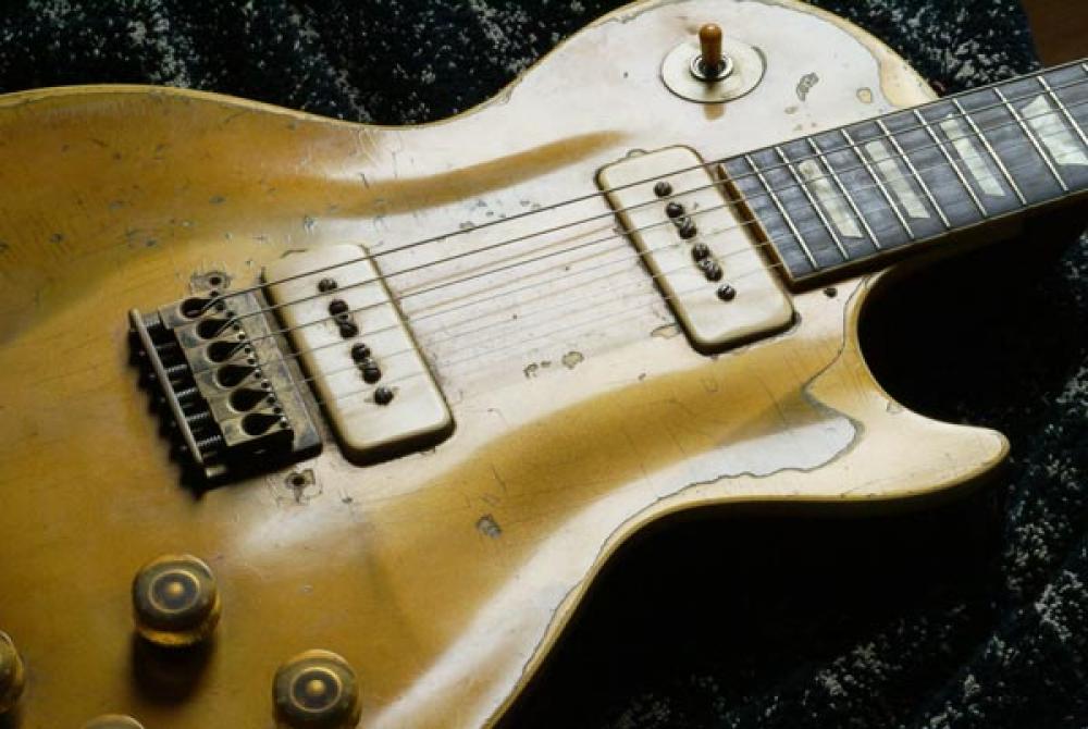 Stupende chitarre, meravigliose rovine: l'approccio migliore al restauro