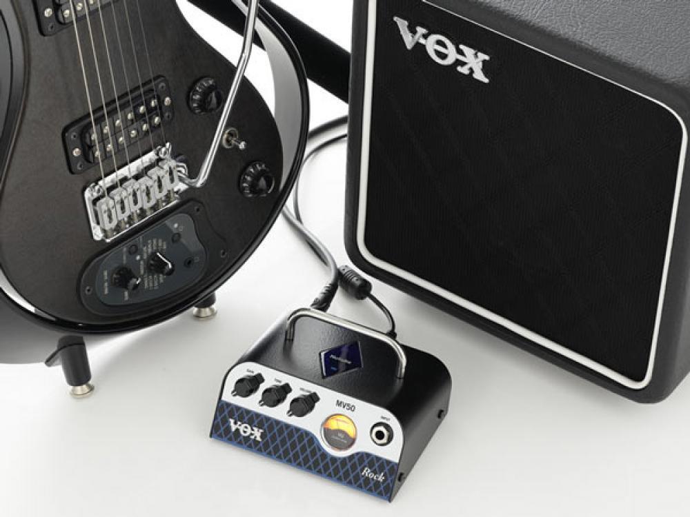 MV50: mini testate Vox con valvole in miniatura
