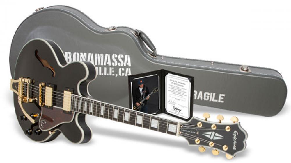 Joe Bonamassa dimostra la sua ES355 limited