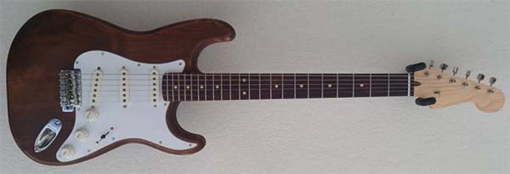 Storia di una Stratocaster fai-da-te