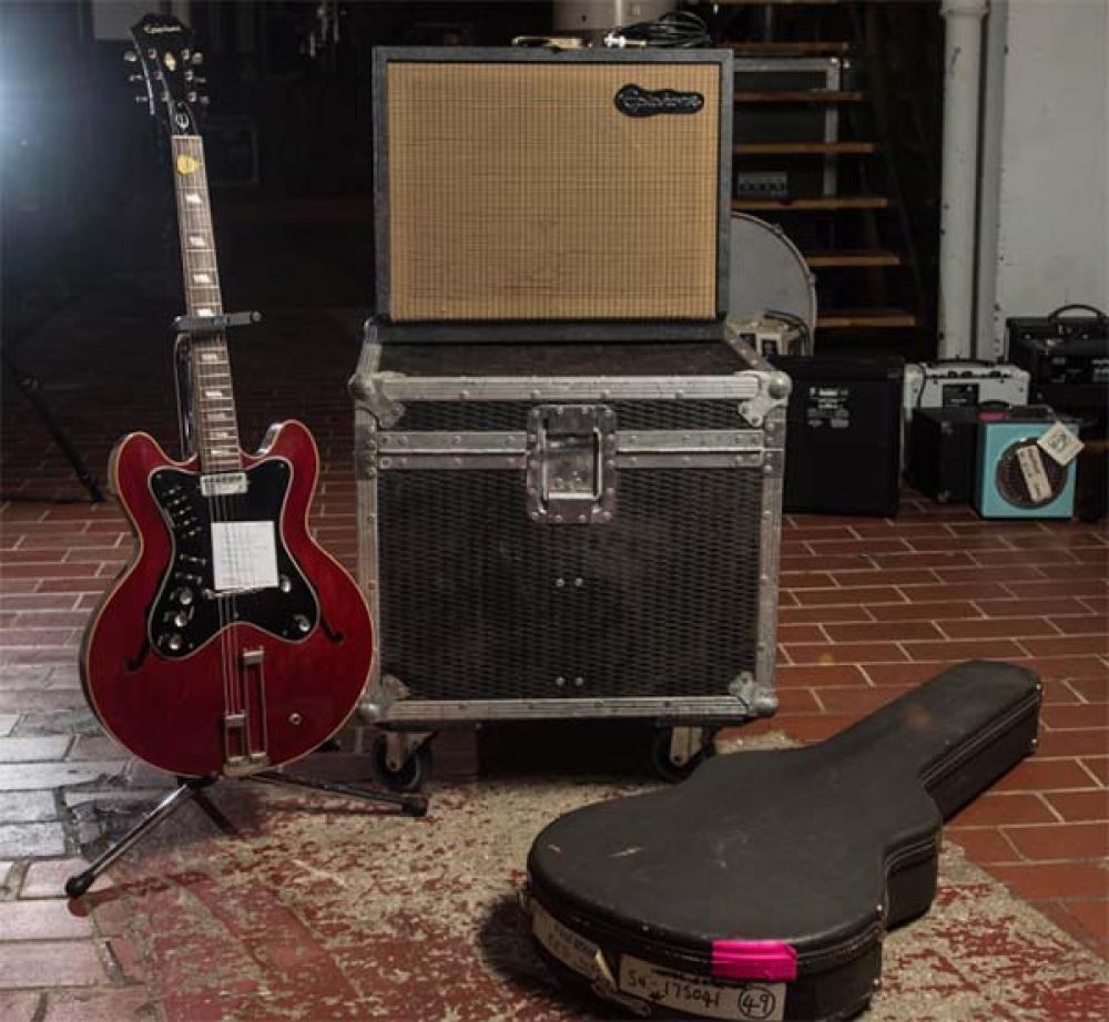 Noel Gallagher vende gli strumenti degli Oasis