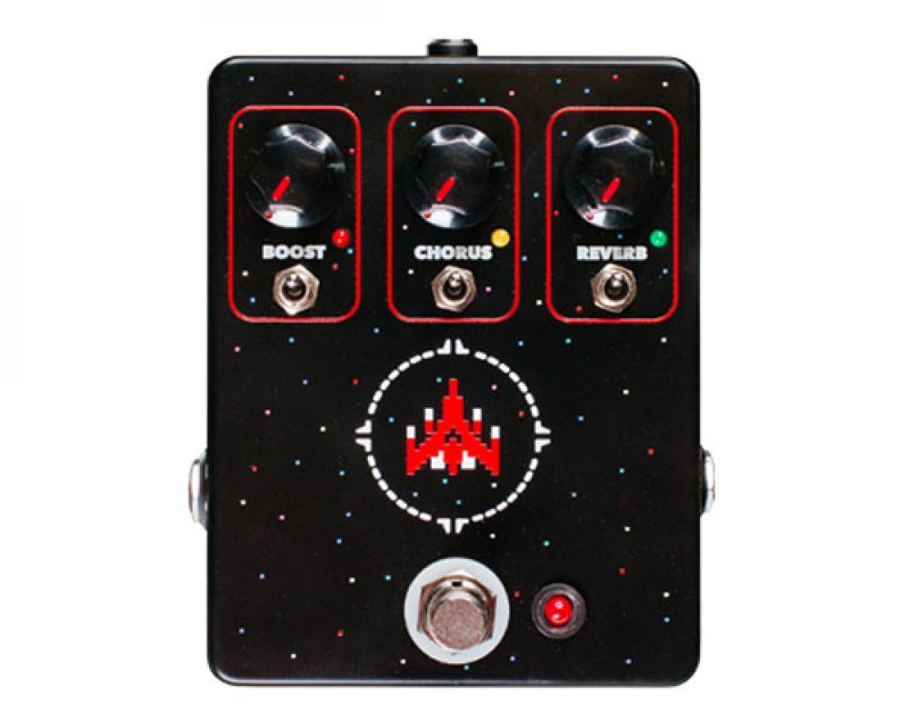 Space Commander: gli anni '80 si fanno in tre