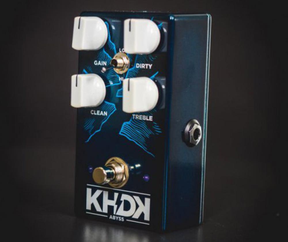 Il KHDK Abyss simula la doppia amplificazione per definizione e aggressività