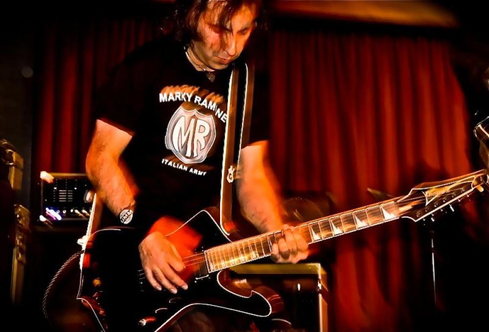 Registrare le chitarre con Giacomo Castellano