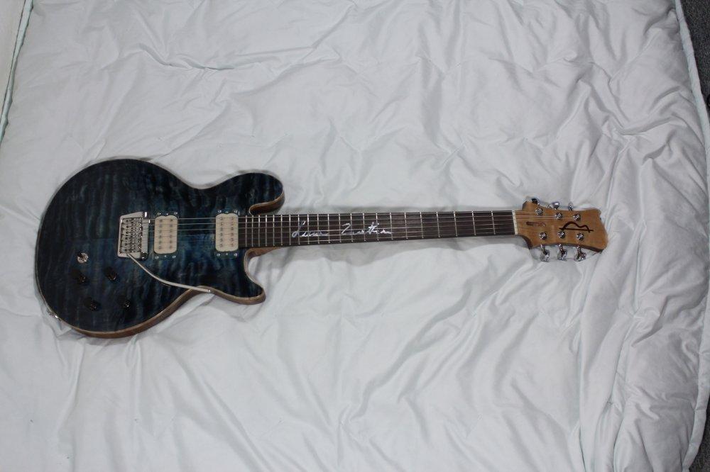 Maxmonte Guitars Antiphony