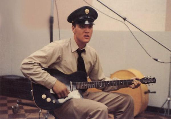 Pura masonite: le chitarre in cartone pressato