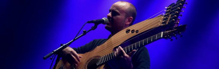 Andy McKee: la chitarra acustica che diventa un orchestra